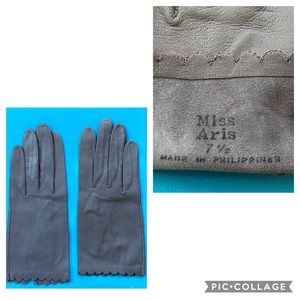 Vintage MISS ARIS Women's Gloves Scalloped Detail